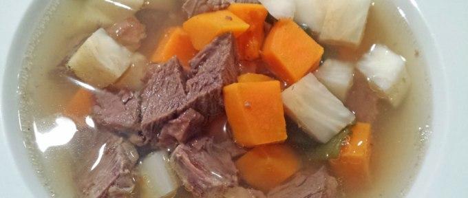 Sellerirot er perfekt i en god kjøttsuppe, for eksempel!